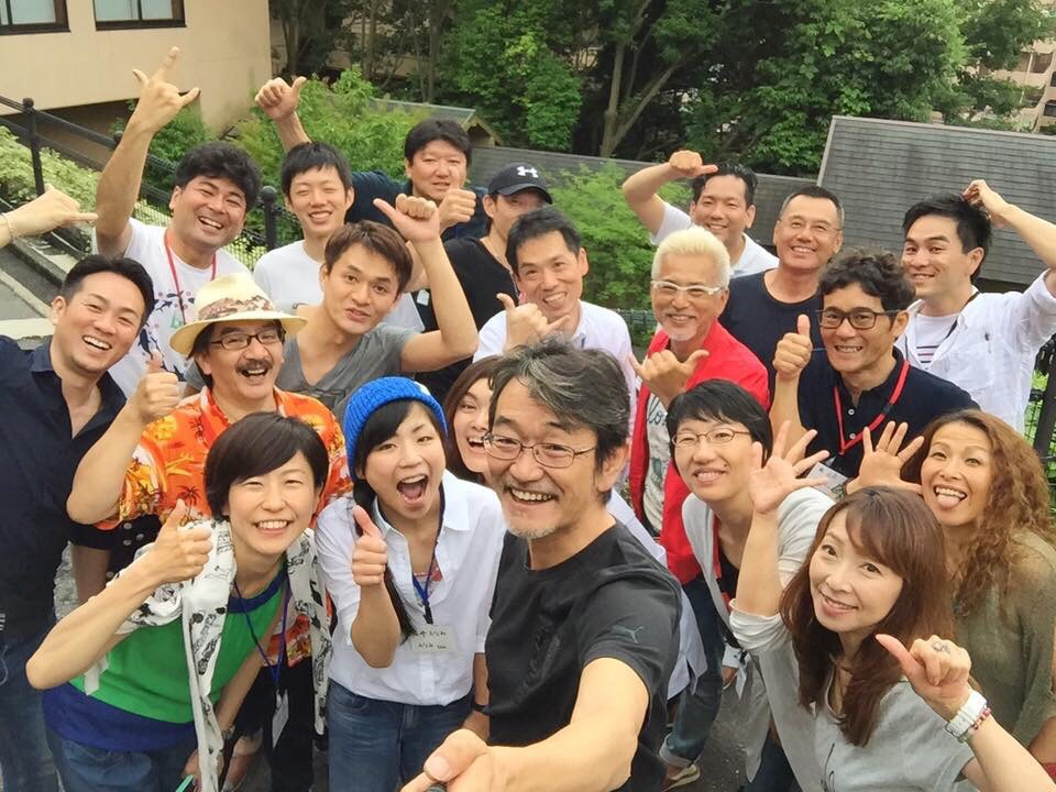 全カリキュラム終了後、藤村先生を囲んでの集合写真。